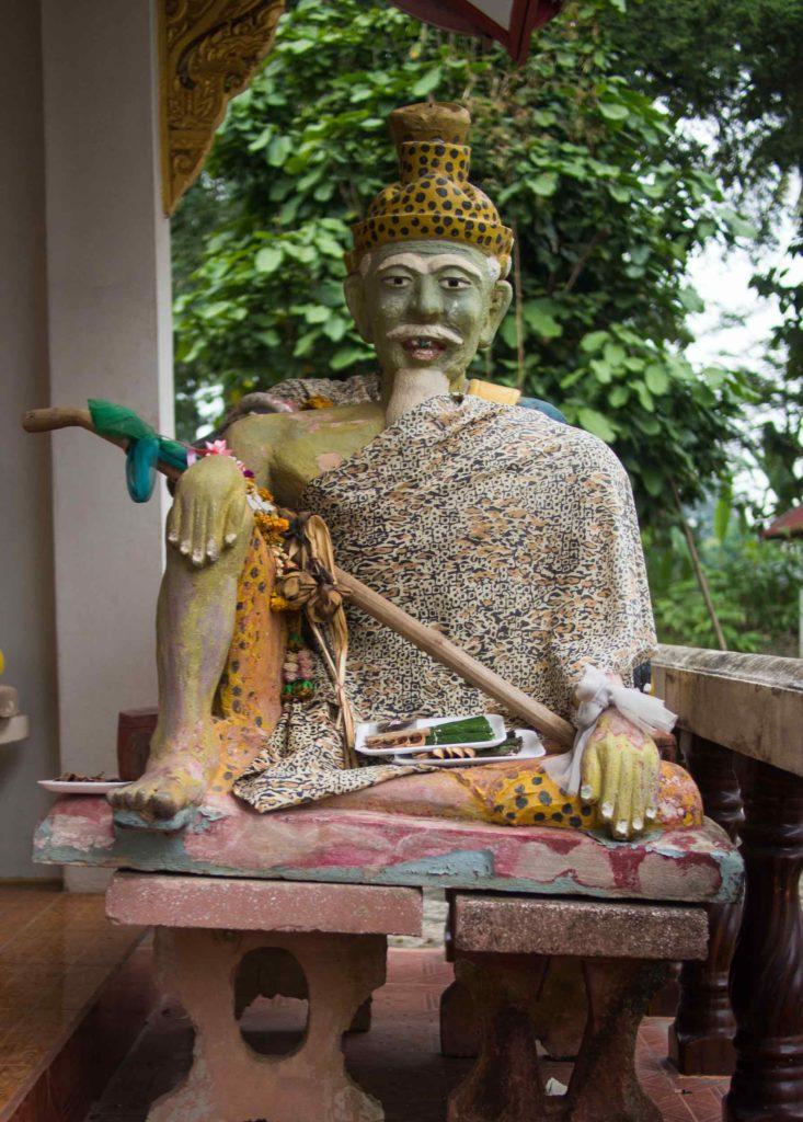 Statue de moine hermite - un ruesi
