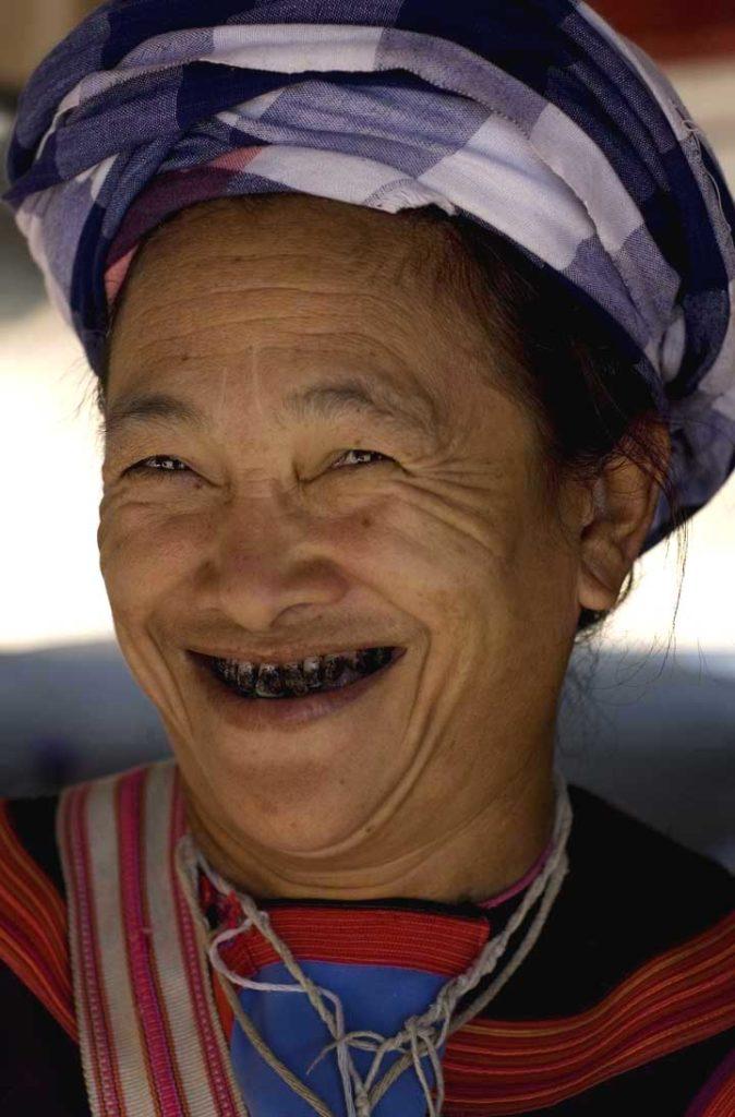 noix de bétel - le sourire rouge