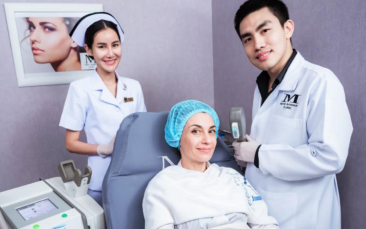 équipe clinique esthétique Thaïlande